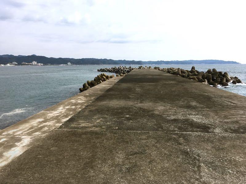 鴨川港の釣り場16