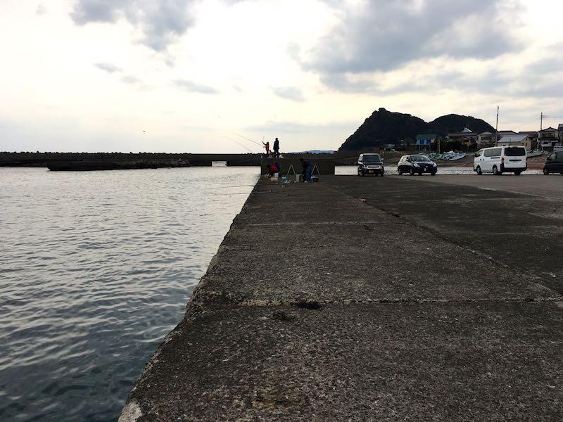 天津港の釣り場05