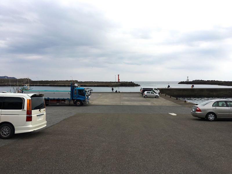 天津港の釣り場03