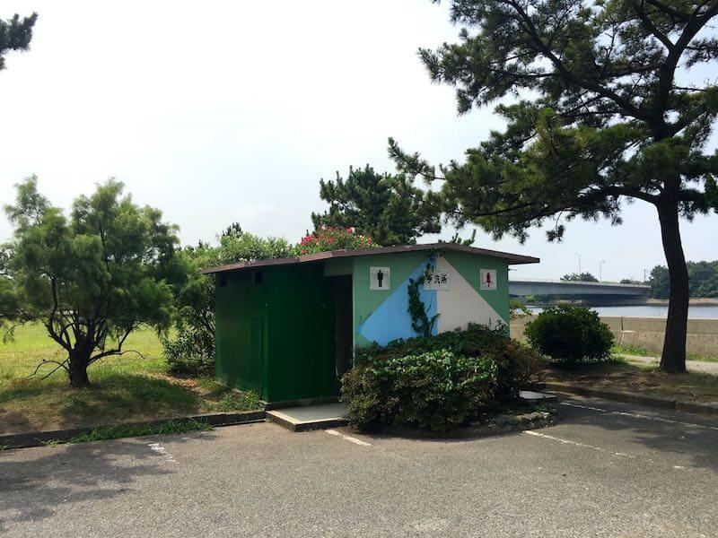 鳥居崎海浜公園のトイレ
