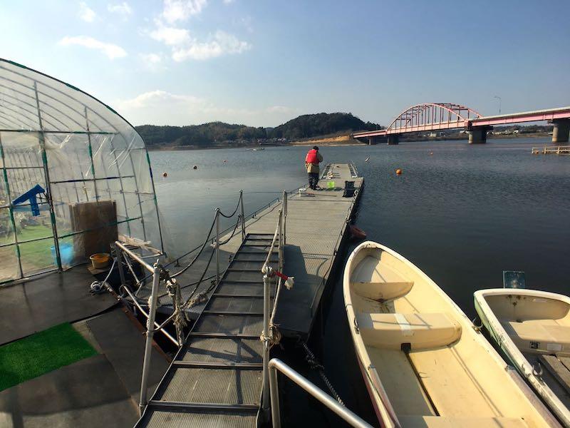高滝湖釣桟橋