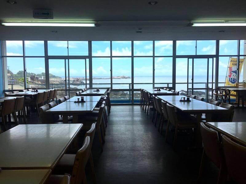 太海フラワー磯釣りセンターの食事処2