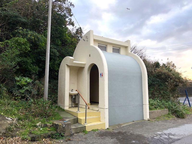 勝山港のトイレ